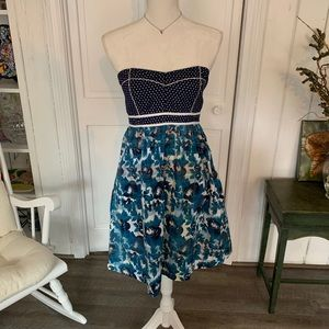 UO Kimchi Blue Floral Strapless Sweetheart Dress 6